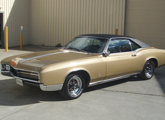 Buick 1967 Riviera 111