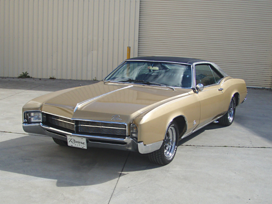 1967 Buick Riviera 2-door Hardtop Coupe powered by the legendary ...